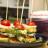 Hrskavi zalogaji sa mocarelom i čeri paradajzom