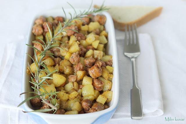 Kockice krompira sa kobasicom