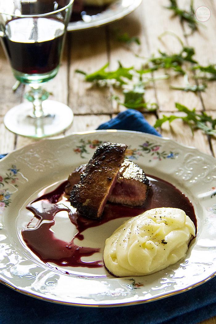 Biftek sa espreso kafom u sosu od crvenog vina sa kremom od krompira
