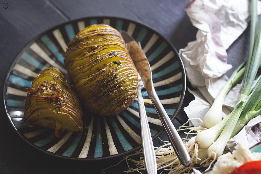 Pečeni krompir sa začinskim biljem