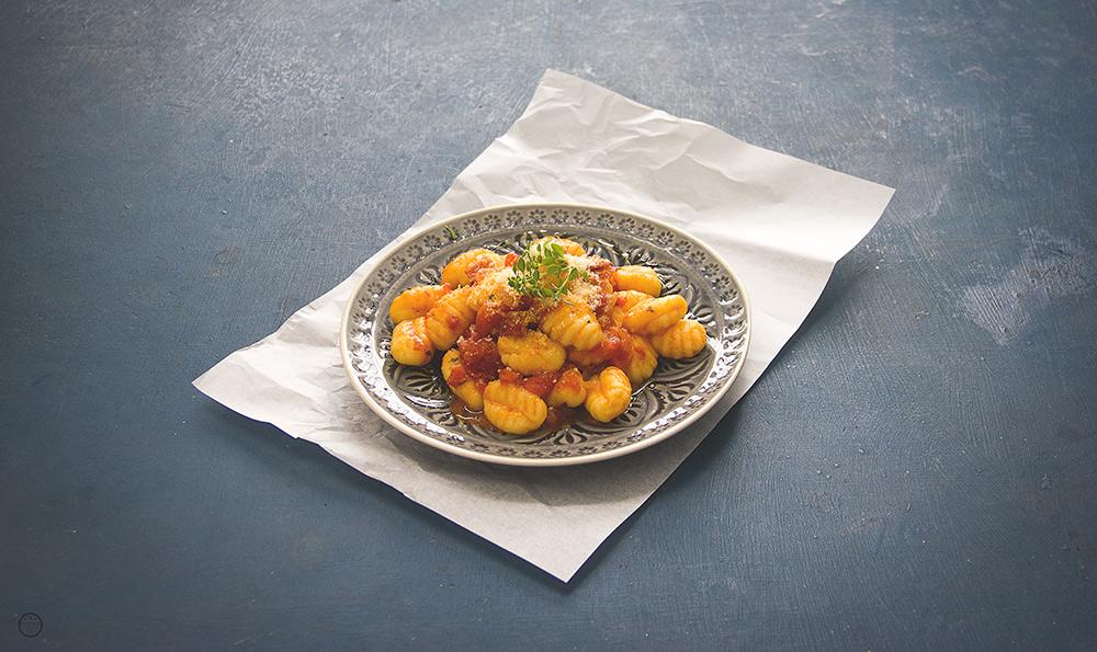 Njoke u pikantnom sosu od paradajza