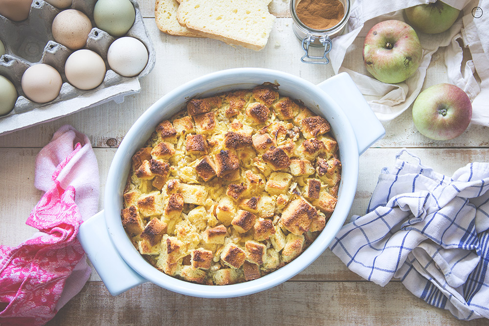 Puding od hleba sa jabukom i orasima