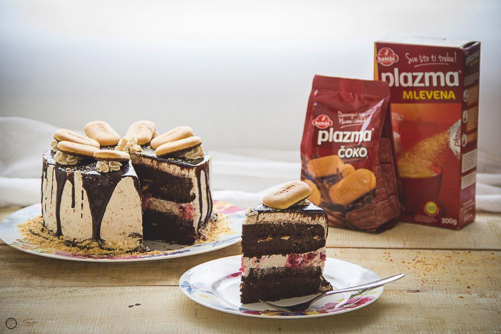 {Plazma Mlevena} Plazma torta sa čokoladom i šumskim voćem
