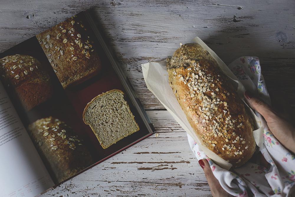 Integralni hleb sa medom i ovsenim pahuljicama