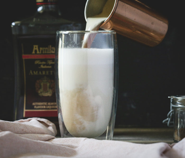 Latte amaretto