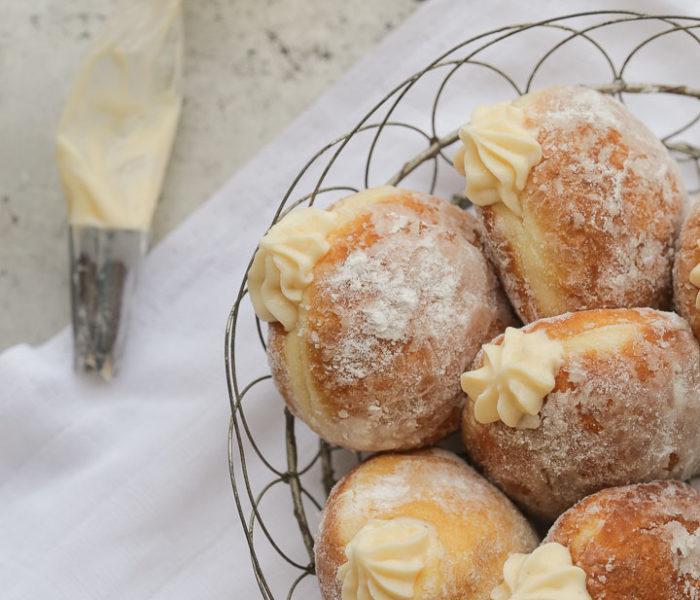 Šuplje krofne sa vanil kremom