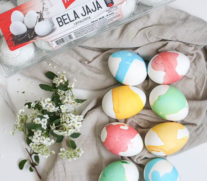 Bojenje belih jaja