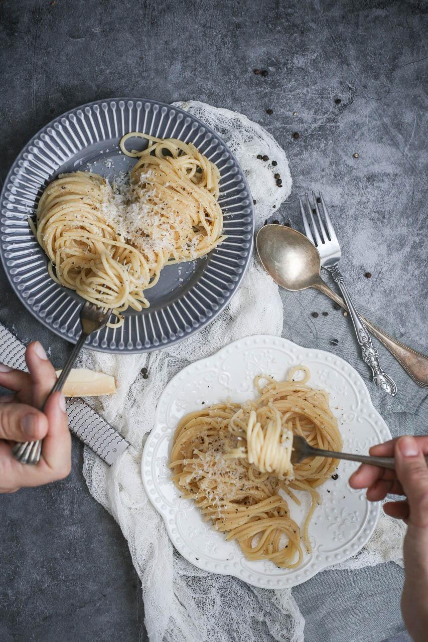 Cacio e pepe špagete