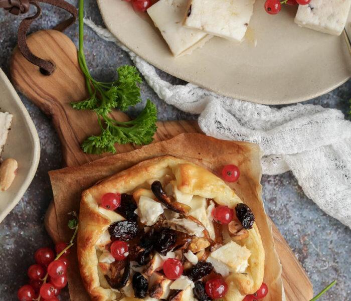 Tart sa kozijim sirom i karamelizovanim lukom